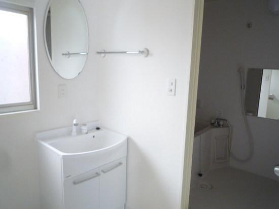 2階洗面とお風呂.JPG